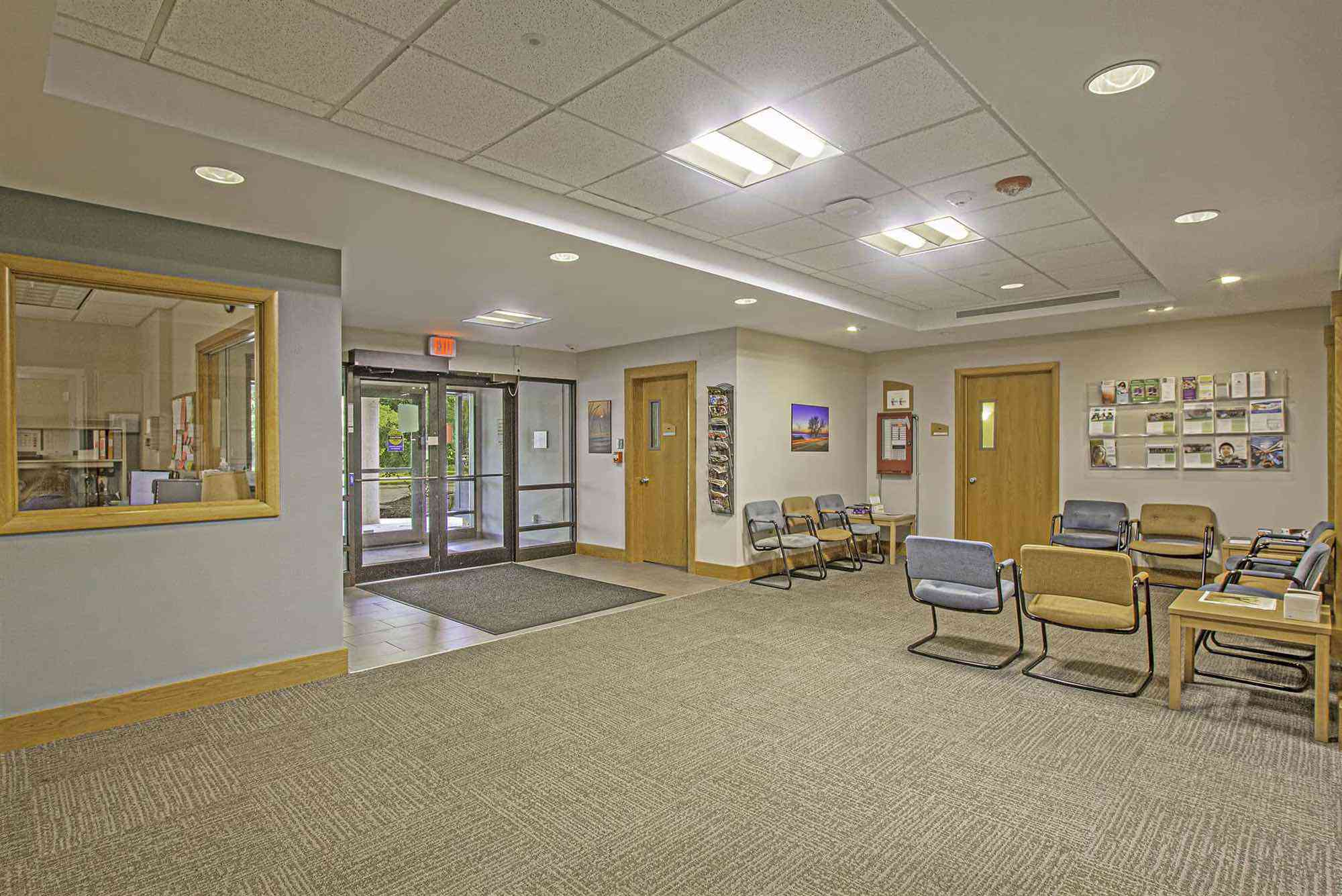 Retreat Clinic lobby and waiting area