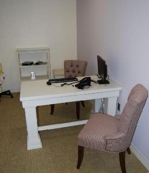 Mother Baby Program one-on-one meeting room