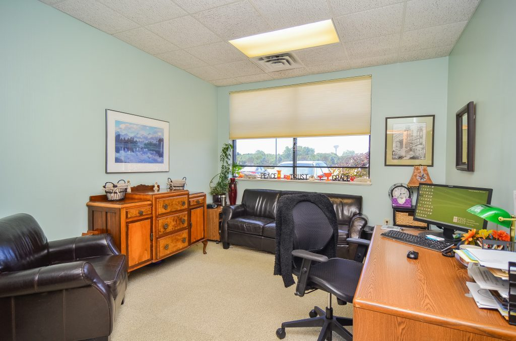 Caledonia Clinic therapist office