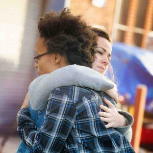 9 Tips for Supporting Someone After a Loved One Dies